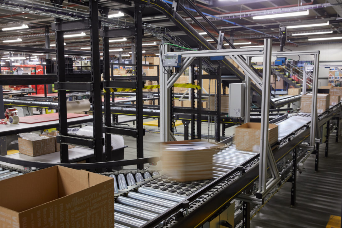 Conveyor systems efficiently transport packages from goods in to despatch